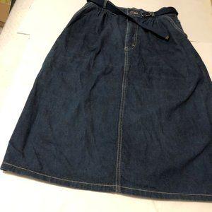 Women's L.L. Bean Denim Skirt  size 12 Belt EUC